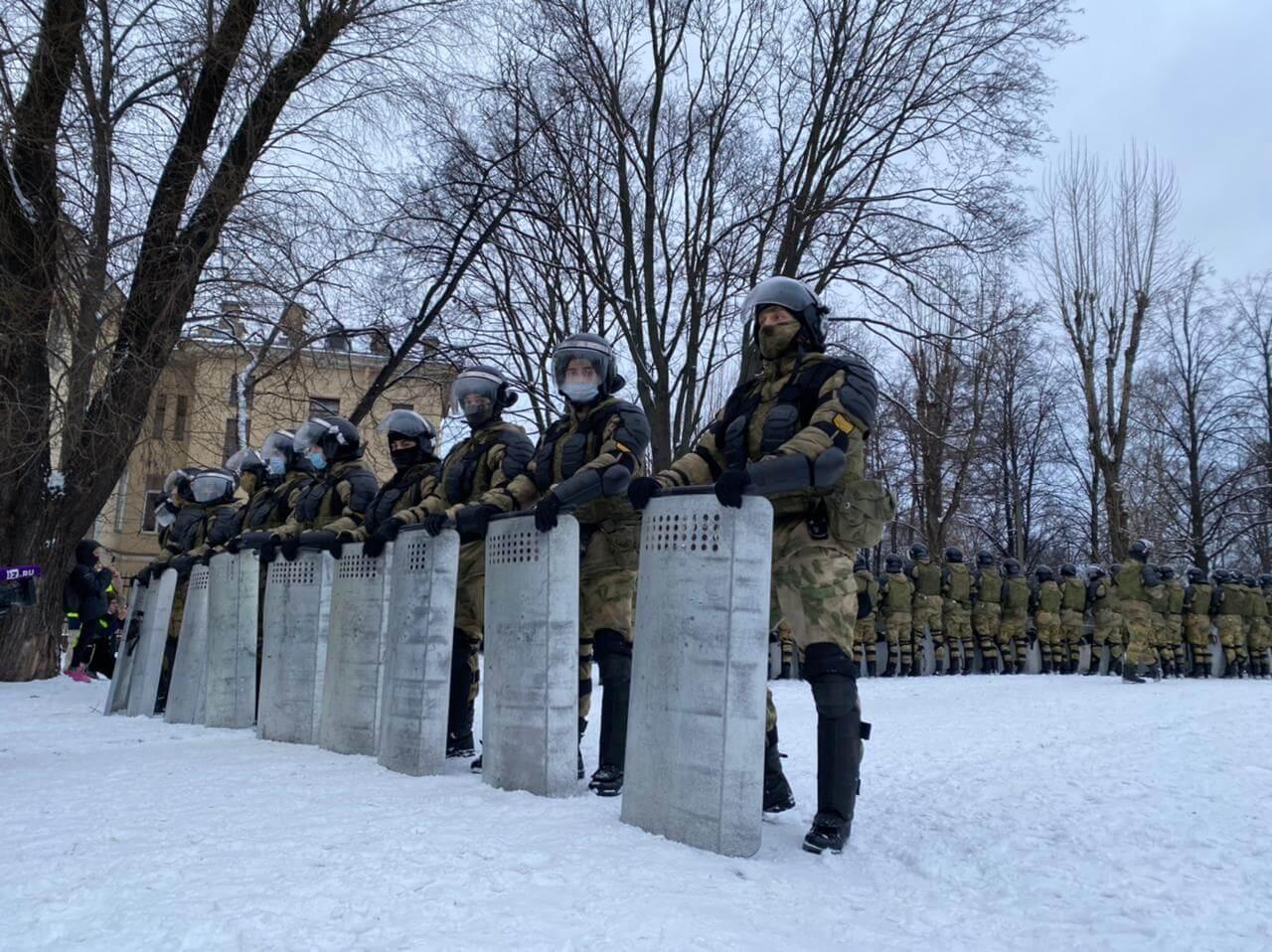 Силовики на митинге, Санкт-Петербург