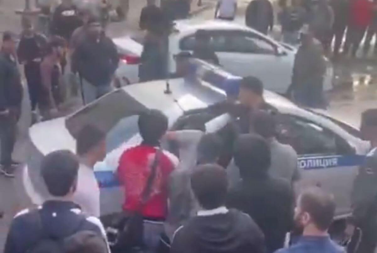 Стычка мигрантов и полиции в Москве