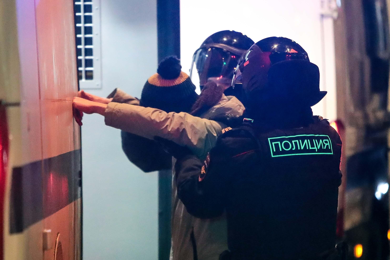 В столице задержали волонтера штаба Любови Соболь Виталия Наконечникова