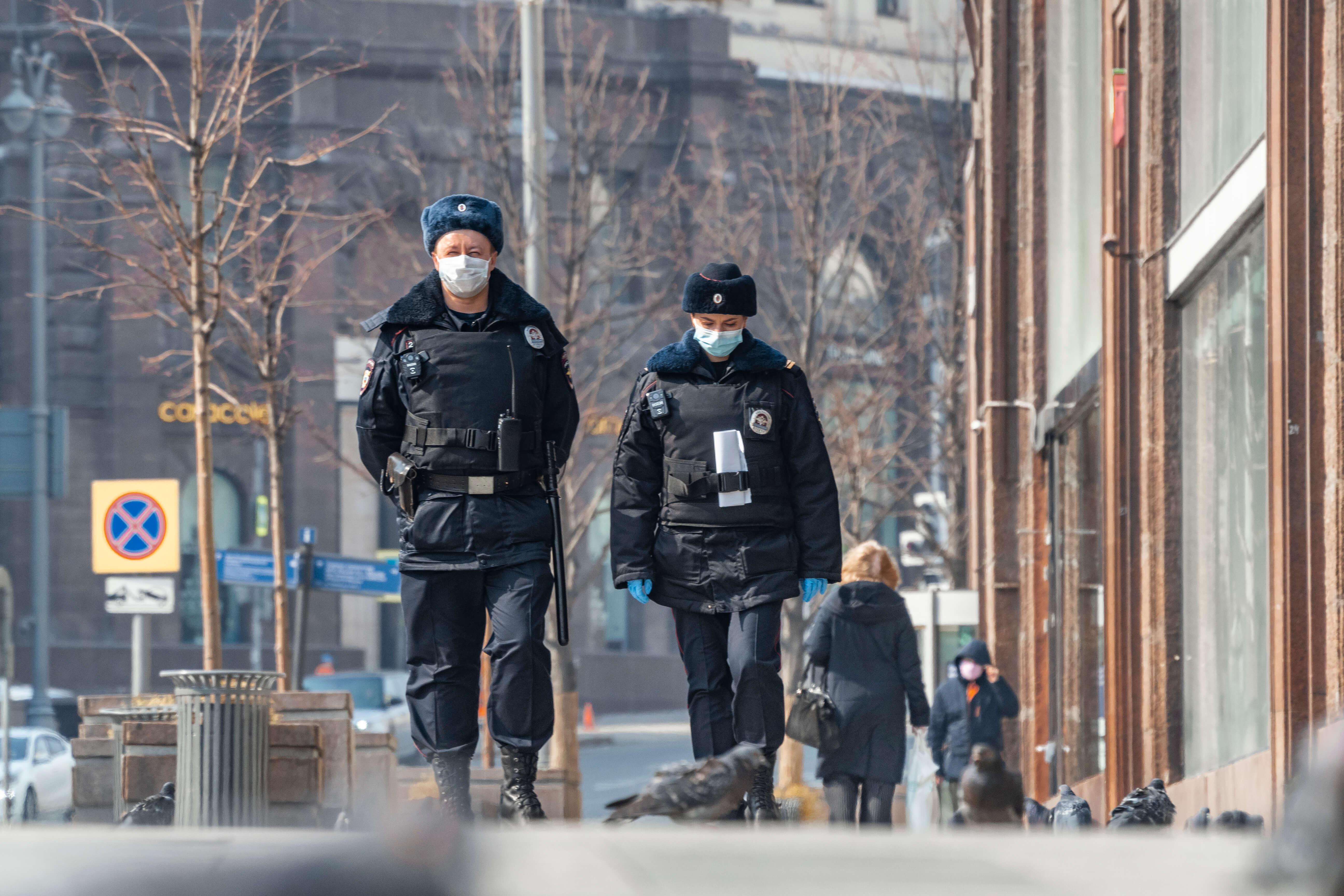 Россиянин пожаловался в Сети на качество уборки снега и стал фигурантом дела о неуважении к власти