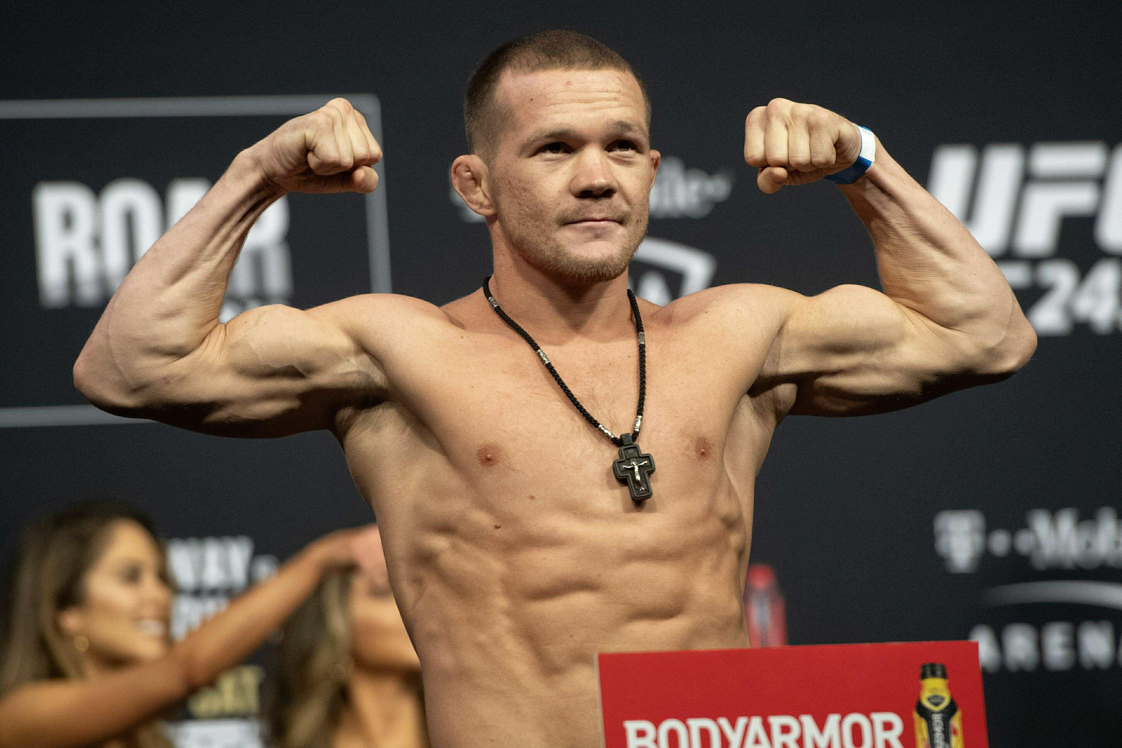 Ян не так ударил Стерлинга и лишился пояса UFC