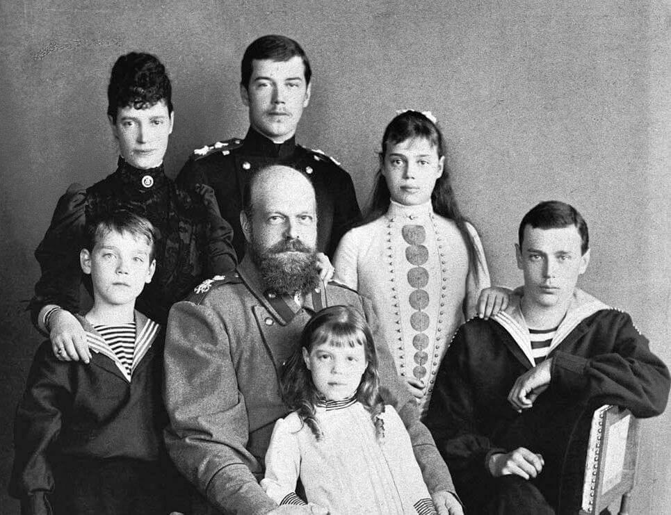 Александр III с семьей. Фото: Архив