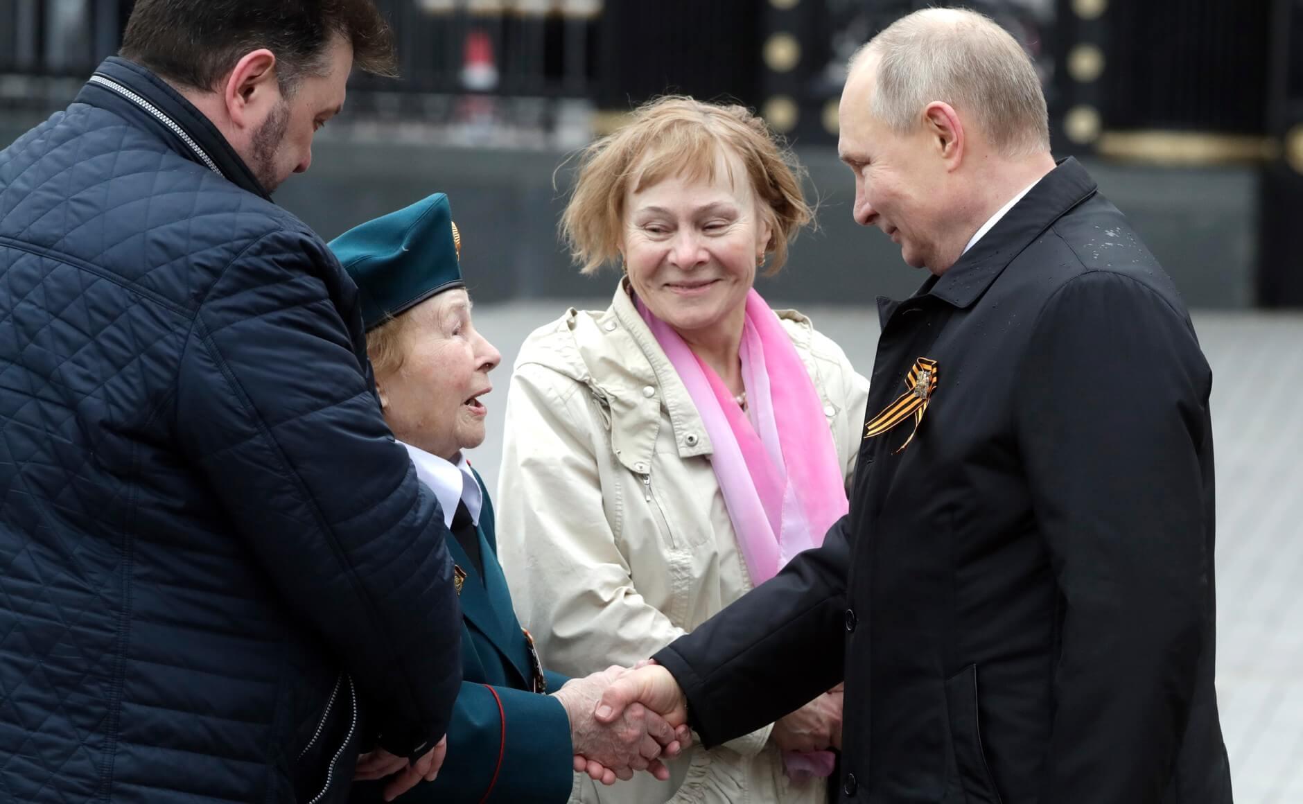 Владимир Путин и ветеран