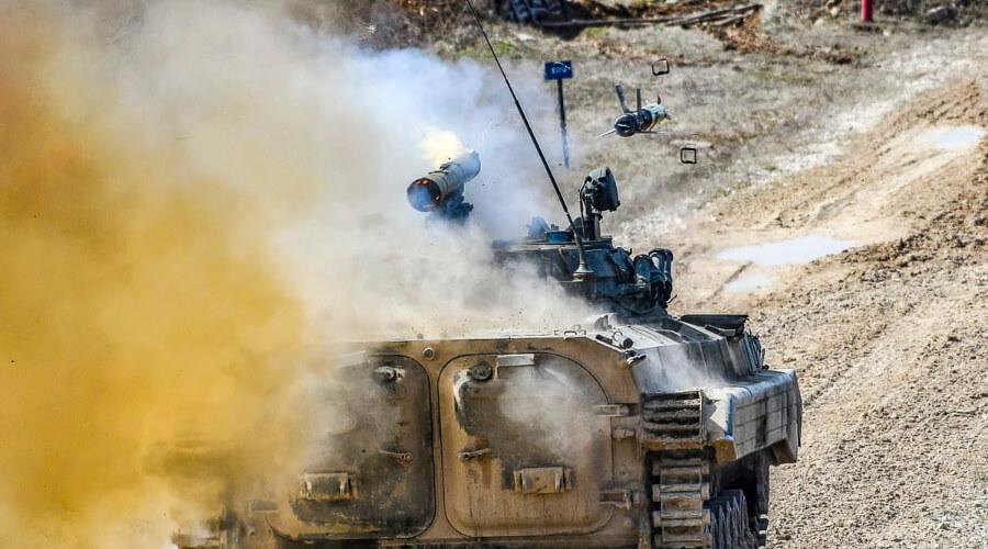 Доктор военных наук Сивков: На Украине 500 танков готовы к войне