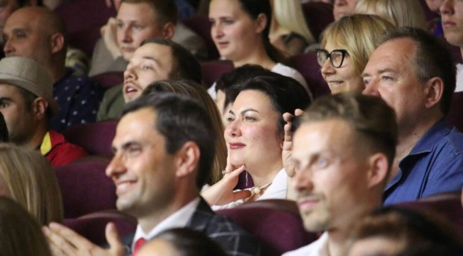 Министр культуры Крыма крыла чем попадя чью-то мать в прямом эфире