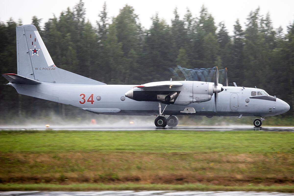 Самолет Ан-26 разбился в районе аэропорта Алма-Аты