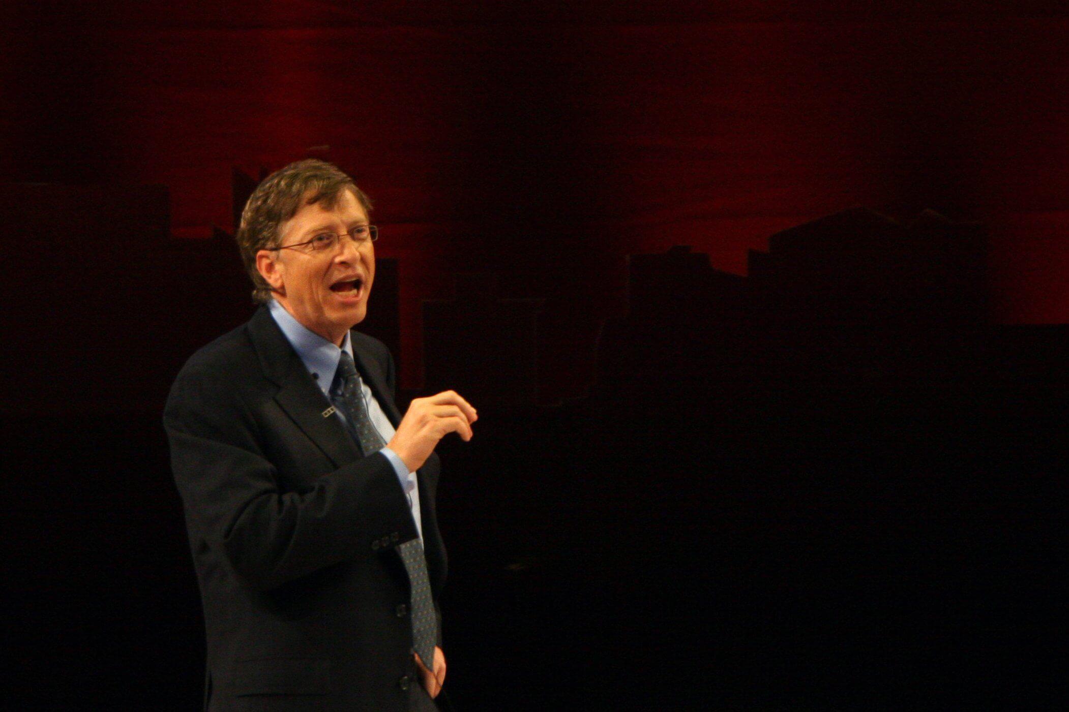 Дочь Билла Гейтса сделала прививку от коронавируса и пошутила
