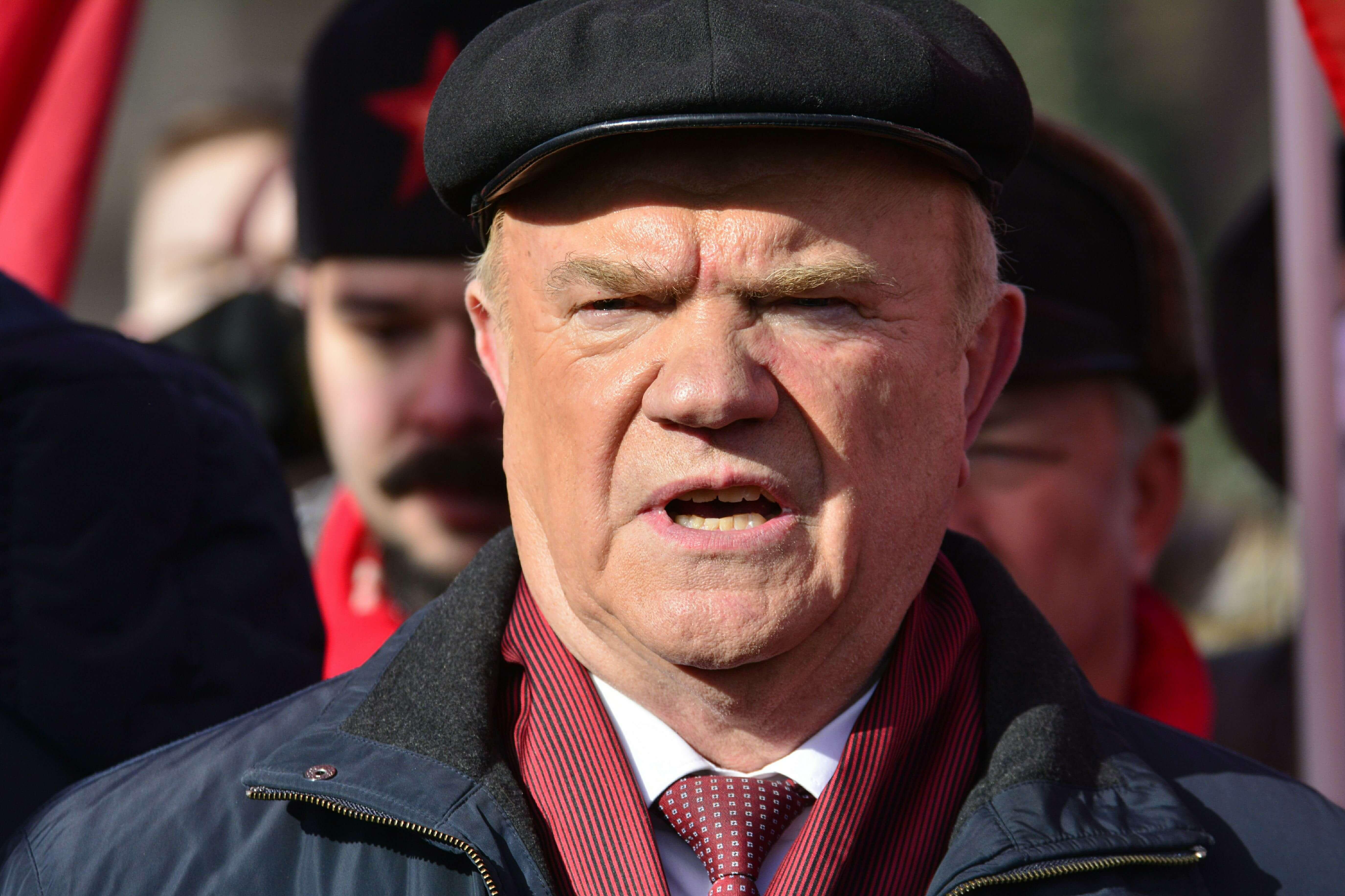 Геннадий Зюганов предложил ввести повышенный налог на «подозрительно богатых» людей