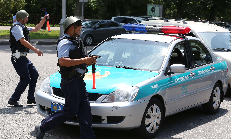 Пенсионный возраст планируют повысить полицейским Казахстана