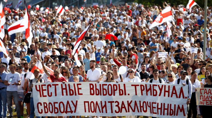 Помощник Лукашенко пожаловался на наносящих белорусской экономике ущерб протестующих
