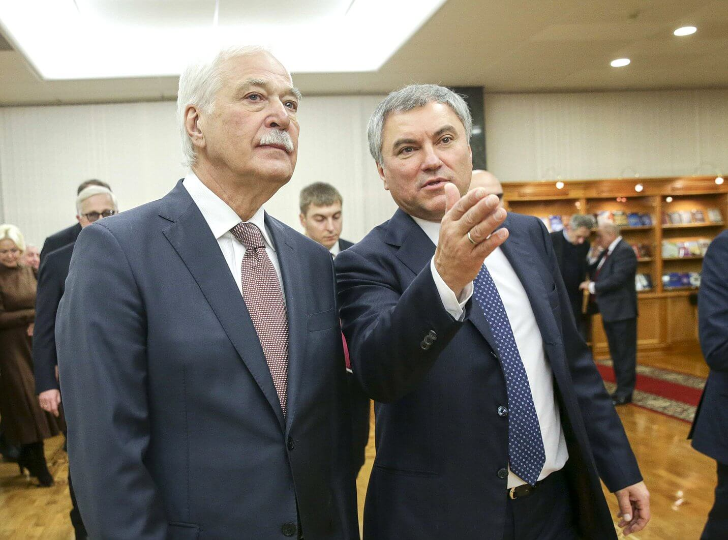 Борис Грызлов (слева)