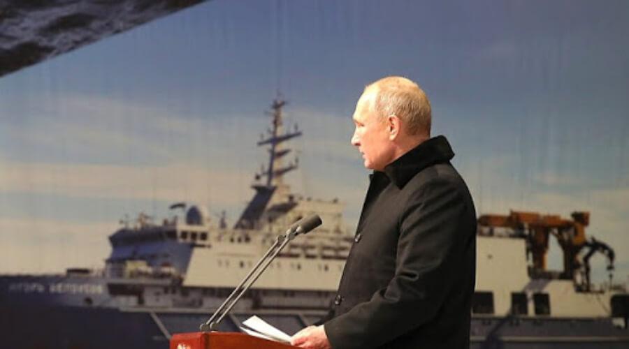 Владимир Путин на закладке кораблей