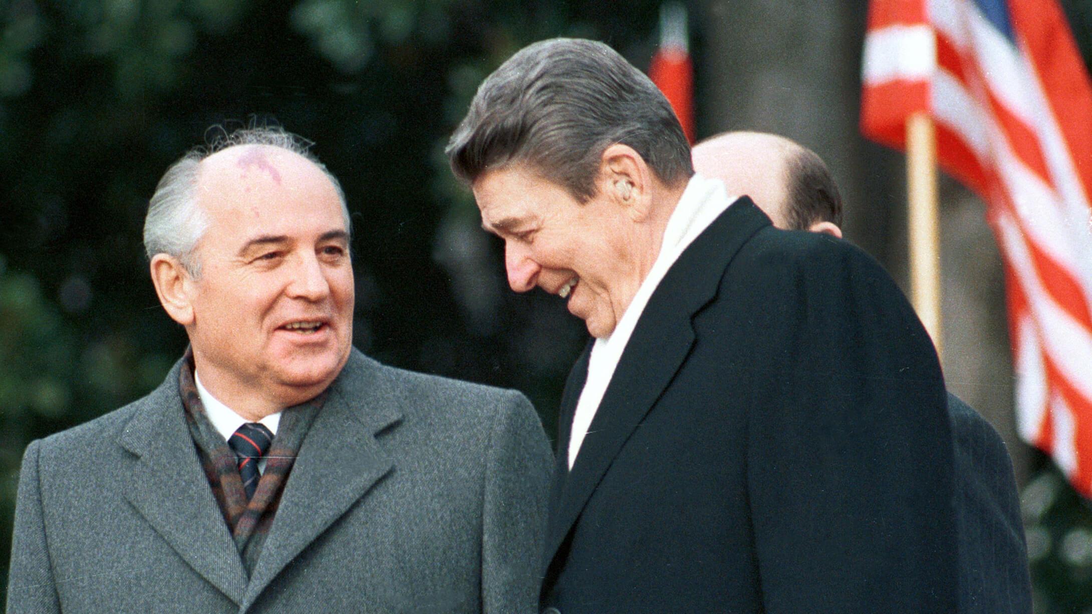 Михаил Горбачев и Рональд Рейган. Фото: