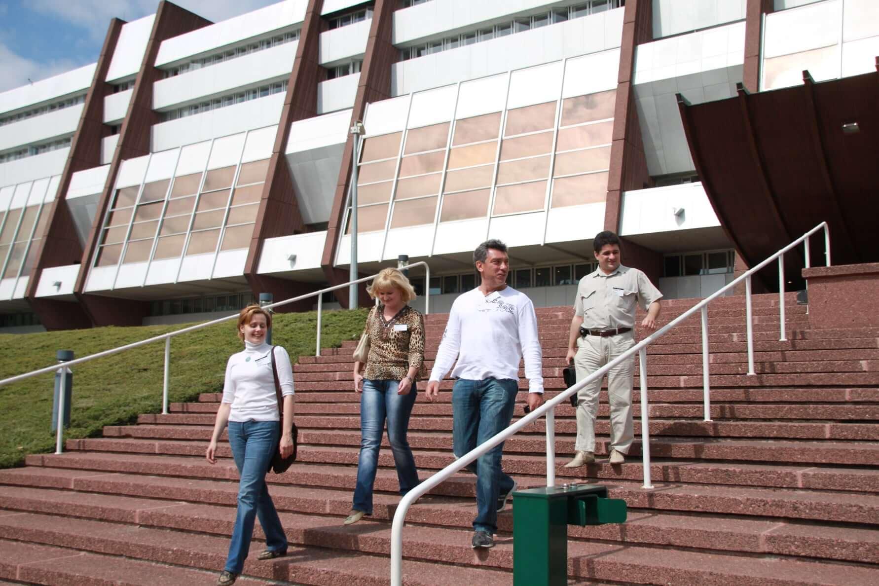 Борис Немцов с адвокатами в Страсбурге