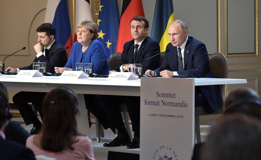 Владимир Зеленский, Ангела Меркель, Эммануэль Макрон и Владимир Путин