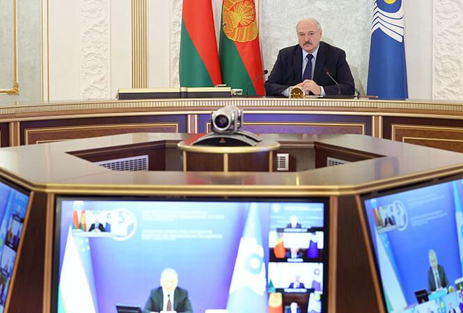 Александр Лукашенко во время заседания Совета глав государств СНГ
