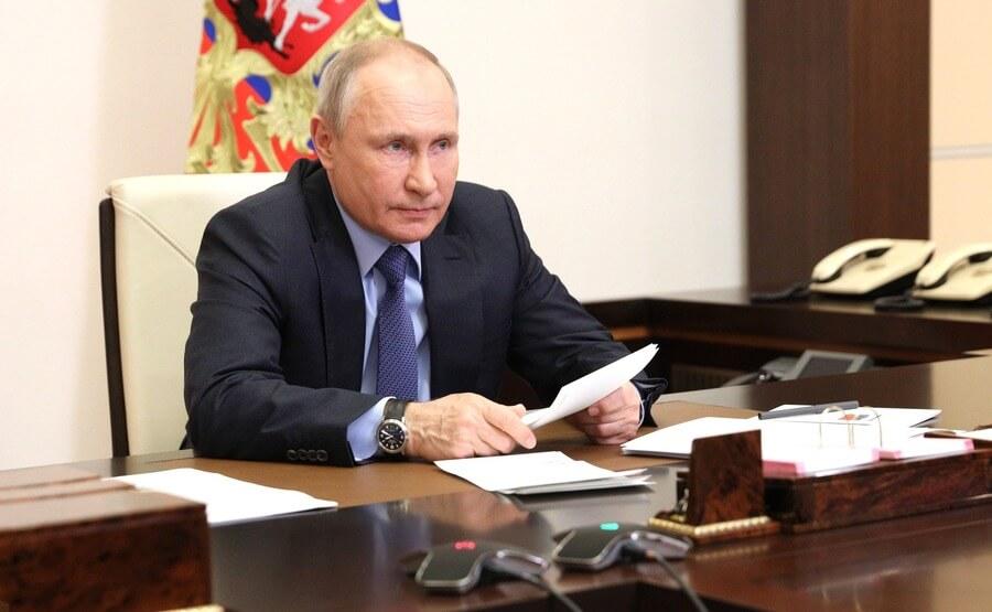 Kremlin PoolGlobal Look Press