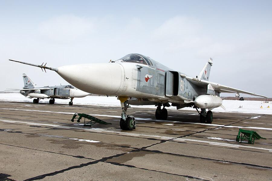 Прибытие экипажей фронтовых бомбардировщиков Су-24М с авиабазы Хмеймим в Сирии на аэродром Центрального военного округа