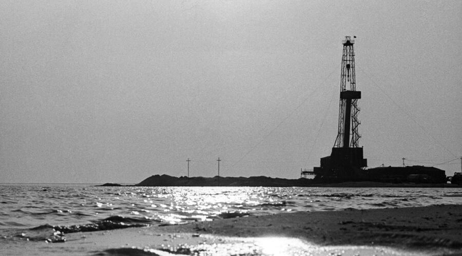 Нефть в Баку