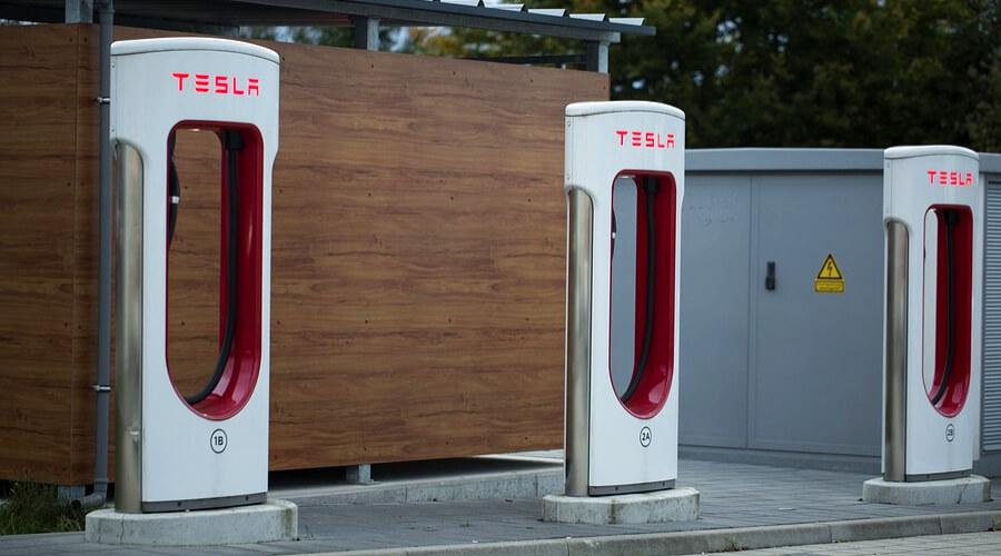 Зарядочная станция Tesla
