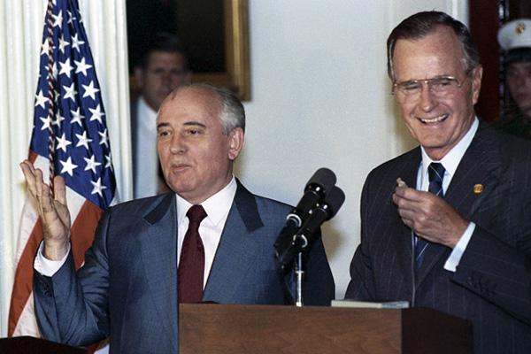 В Общественной палате просят признать Фонд Горбачева иностранным агентом